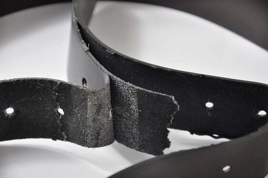zły skórzany pasek do spodni rozklejanie